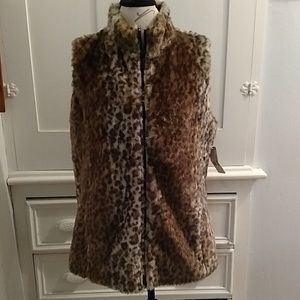 NWT Laura Scott faux fur vest Sz L